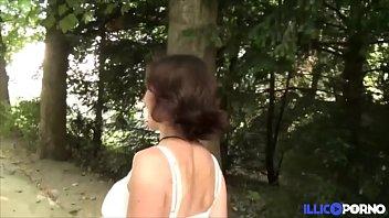Elo, cochonne exhib, enculée dans un parc public [Full Video]