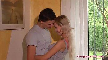Teen couple too horny to wait