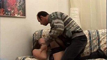 Milfona italiana chiavata sul divano - Milf mom  Italian fucked on the sofa -