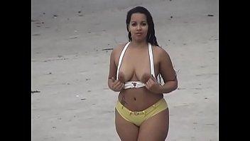 Safada Pelada na Praia