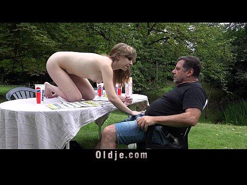 free outdoor sex pic cum shot