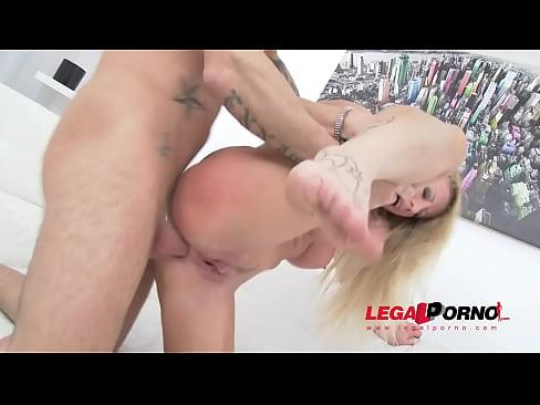 Lara De Santis first time in studio: sexy MILF airtight DP SZ1189