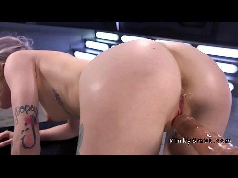 Blonde free fuck video