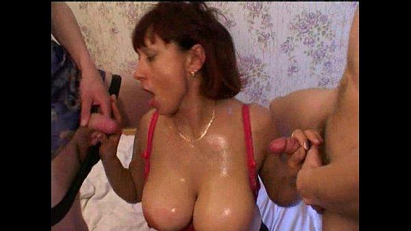 Russian mom amalia pee