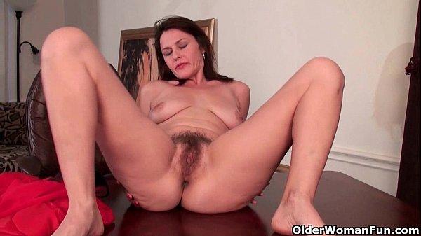 porn wemon holding five penises