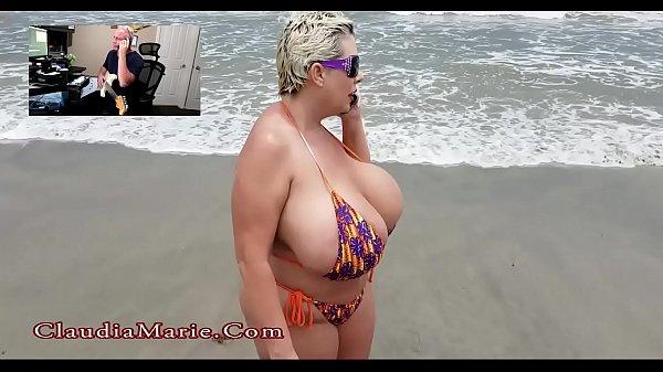Big booty fucks doorknob