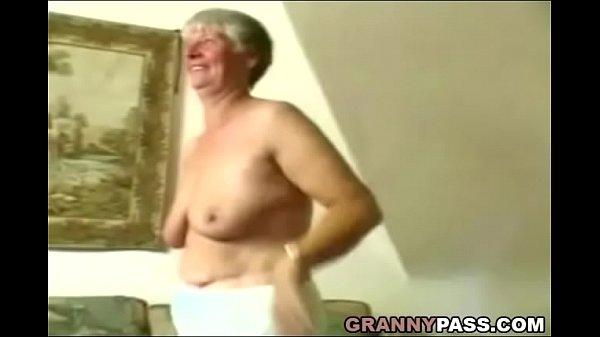 Chubby Deutsch reife masturbiert