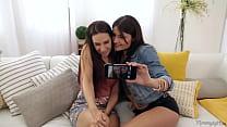 Lesbian threesome Thumbnail