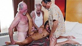 porno-seks-so-starikami-protiv-voli-devushki-tveri-porno