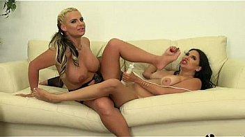 amateur lesbian moms having fun-livetaboocams.com