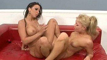 Rachel Starr Has Lesbian Sex With Amateur Girl Amber