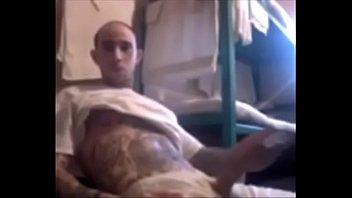 Jailhouse masturbation, mec Blanc, grosse...