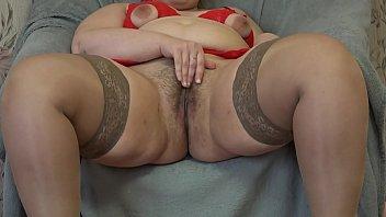 Thick girl masturbates her hairy...