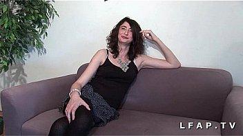 Femme mature fistee