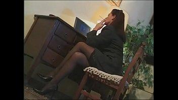 Psicologa aiuta il suo paziente con una bella scopata anale