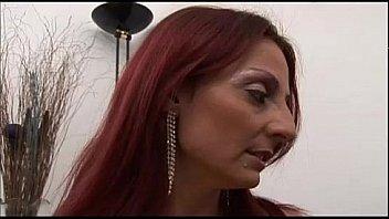 MATURE ITALIAN - Mamma italiana da scopare - Barbara Gandalf