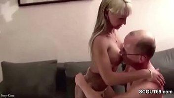Vater Fickt Freundin Seiner Tochter