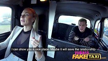 Kvindelige Falske Taxa Prover stud...