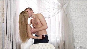 Romantique Sexe pour Sonya Doux...