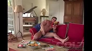 Muscly hunks jerk rods