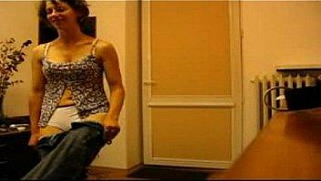 tuga agrada o marido com strip