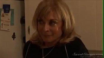 μεγάλο βυζί moms πορνό βίντεο μαύρο λεσβιακό αποπλάνηση