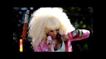 Nicki Minaj GMA Nipslip