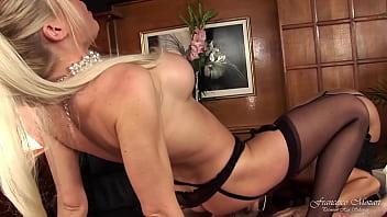 Il capo e la sua assistente si scopano un aspirante segretaria