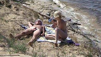 Bikini byron in kari
