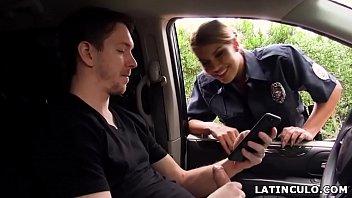 Latinoer officer fanget pa en...