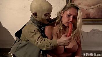 Kidnappet kvinder, der bliver fedet...