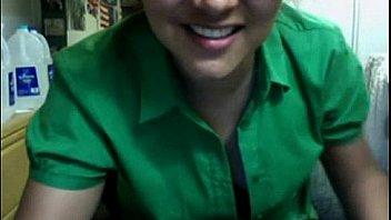 Chubby brunette strips for webcam