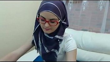 Superhot arab webcam. Sexy as fuck!!