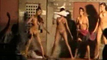 Girls dancing reggaeton naked