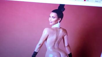 Explosive cum tribute to Kim Kardashian νm;1