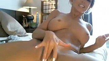 Mia khalifa nude having bed sex pics
