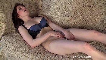 Hot Yanks Brunette  Bianca...