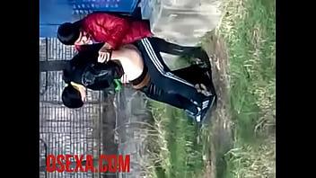En usbekisk kvinde fandened sex...