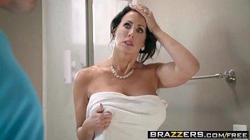 Brazzers - Mamamy Got Boobs...