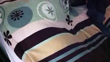 chaqueta en las nalgas de mi prima dormida