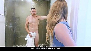 DaughterSwap - Hot Teen Seduces...