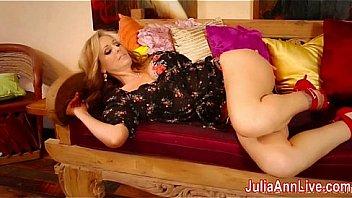 Sexy Milf Julia Ann Fingers...