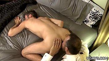 Mature gays Max and Justin