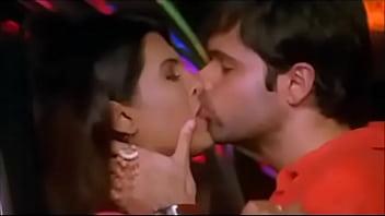 Kiss and kohli sharma anushka virat