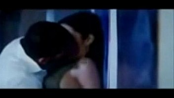 celina jaitley hot kissing