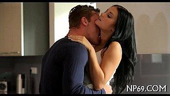 Hot babe obtient baise dur...