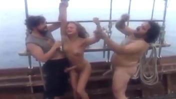 Girl sucks dick video