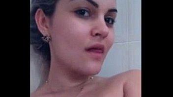 carioca bucetuda se exibindo e gravando video intimo pelada nao conto