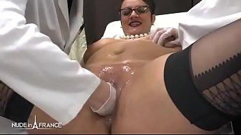 gynecologue qui baise ses patientes pendant l examen sexy jeune fille musulmane