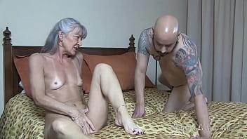 Milf Har Slave Tilbede Hendes...